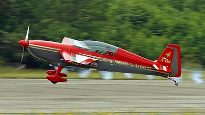 JY-RNE - Extra 300S - Royal Jordanian Falcons