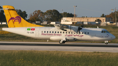 TS-LBA - ATR 42-300 - Mauritania Airways (Sevenair)
