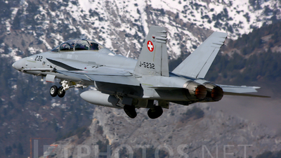 J-5232 - McDonnell Douglas F/A-18D Hornet - Switzerland - Air Force