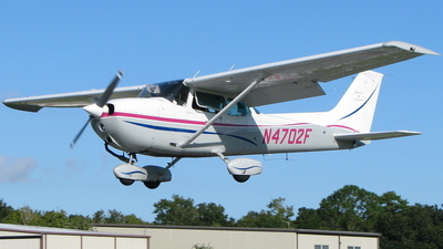 A picture of N4702F - Cessna 172N Skyhawk - [17273074] - © Kevin Porter