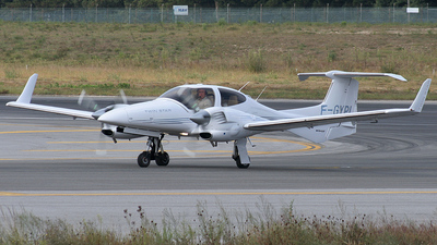 F-GYPL - Diamond DA-42 Twin Star - Private