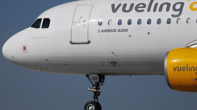 EC-JDK - Airbus A320-214 - Vueling Airlines