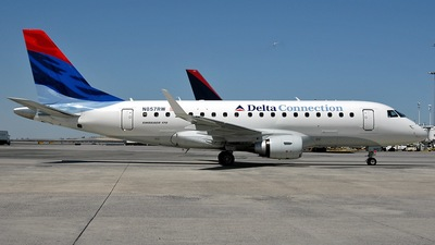 N857RW - Embraer 170-100SE - Delta Connection (Shuttle America)