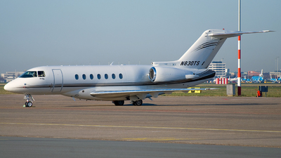 A picture of N830TS - Hawker 4000 Horizon - [RC30] - © Dutch