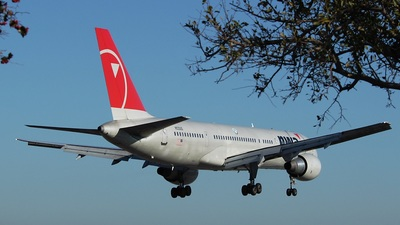 N533US - Boeing 757-251 - Northwest Airlines