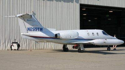N299TW - Gates Learjet 24D - Private