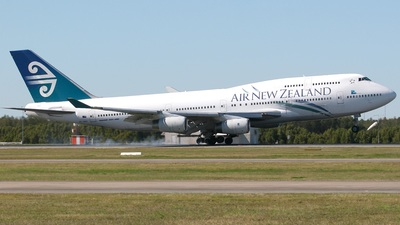 ZK-NBU - Boeing 747-419 - Air New Zealand