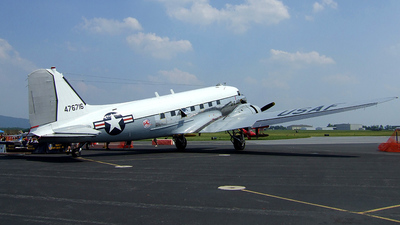 N8704 - Douglas DC-3C - Yankee Air Force