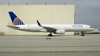 N29124 - Boeing 757-224 - United Airlines (Continental Airlines)