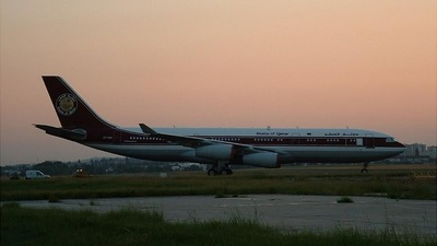 - Airbus A340-211 - Private
