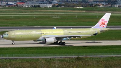 F-WWYM - Airbus A330-302 - Airbus Industrie