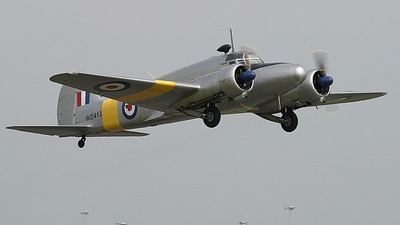 - Avro Anson - Private