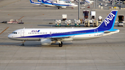 JA206A - Airbus A320-214 - All Nippon Airways (ANA)