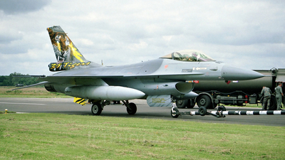 FA-122 - General Dynamics F-16A Fighting Falcon - Belgium - Air Force