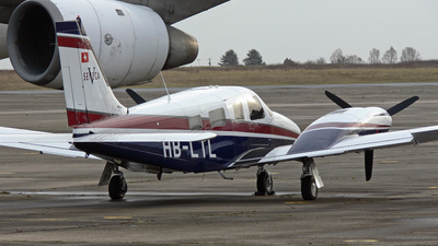 HB-LTL - Piper PA-34-220T Seneca V - Private