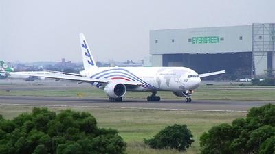 N5017V - Boeing 777-346ER - Boeing Company