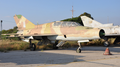 AF-923 - Mikoyan-Gurevich MiG-21UM Mongol B - Zambia - Air Force