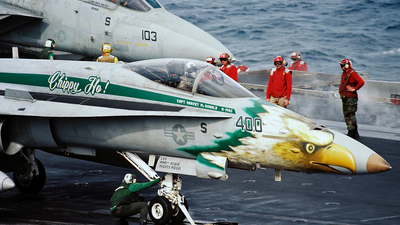 164905 - McDonnell Douglas F-18C Hornet - United States - US Navy (USN)