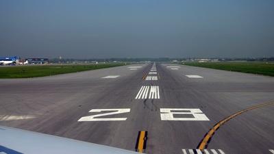 CYUL - Airport - Runway