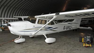 G-UFCJ - Cessna 172S Skyhawk SP - Private