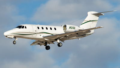 A picture of N33L - Cessna 650 Citation VII - [6507118] - © FOKKER AIRCRAFT