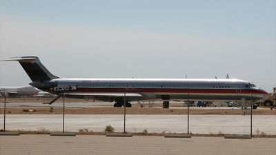 N802US - McDonnell Douglas MD-81 - Untitled