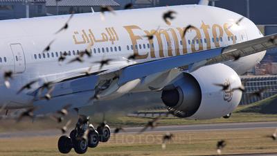 N5017V - Boeing 777-21HLR - Emirates