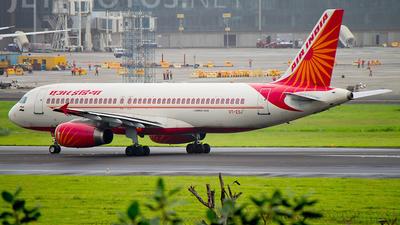 VT-ESJ - Airbus A320-231 - Air India