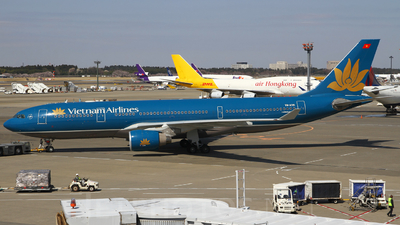 VN-A381 - Airbus A330-223 - Vietnam Airlines