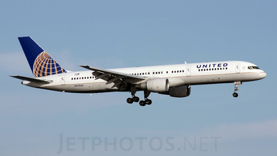 N570UA - Boeing 757-222 - United Airlines