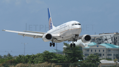 N76355 - Boeing 737-3T0 - Continental Airlines