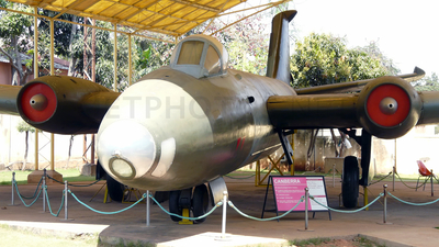 BF597 - English Electric Canberra B(I).58 - India - Air Force