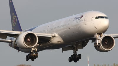 HS-TKG - Boeing 777-35RER - Thai Airways International