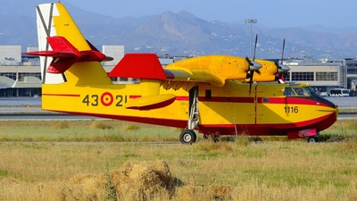 UD.13-21 - Canadair CL-215T - Spain - Air Force