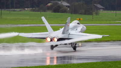 J-5007 - McDonnell Douglas F/A-18C Hornet - Switzerland - Air Force