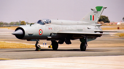 CU2327 - Mikoyan-Gurevich MiG-21 Fishbed - India - Air Force