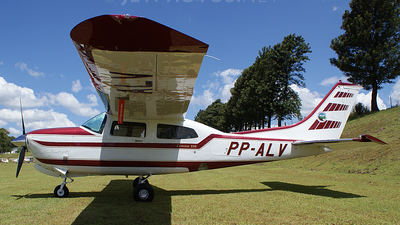 PP-ALV - Cessna T210R Turbo Centurion II - Private