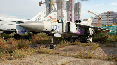 21 - Mikoyan-Gurevich MiG-23 Flogger - Russia - Air Force