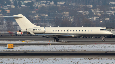 M-YFLY - Bombardier BD-100-1A10 Challenger 300 - Private