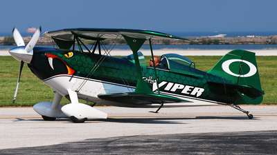 N4204S - Pitts S-2S Special - Private
