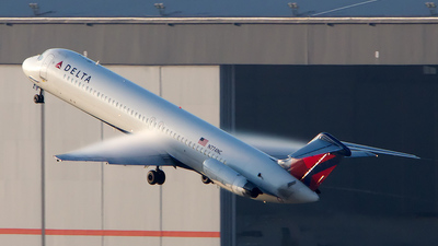 N774NC - McDonnell Douglas DC-9-51 - Delta Air Lines