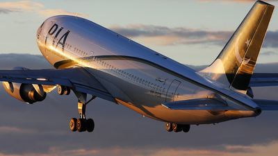 AP-BEB - Airbus A310-308 - Pakistan International Airlines (PIA)
