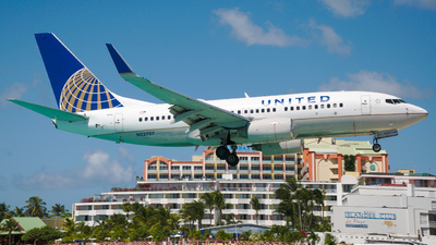 N23707 - Boeing 737-724 - United Airlines