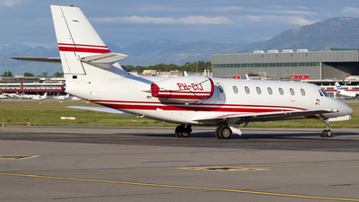 PH-CIJ - Cessna 680 Citation Sovereign - Private