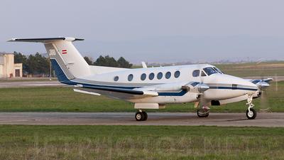 OE-FME - Beechcraft B300LW King Air - Airlink Luftverkehrsgesellschaft