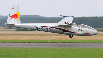 OE-5733 - Let L-13 Blanik - The Flying Bulls