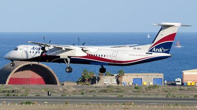 A picture of 5NBKU - De Havilland Canada Dash 8400 - Arik Air - © Alejandro Hernández León