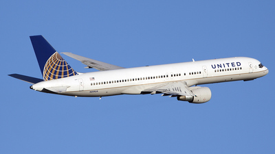 A picture of N519UA -  - [] - © Bruce Leibowitz