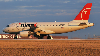 N326NB - Airbus A319-114 - Northwest Airlines