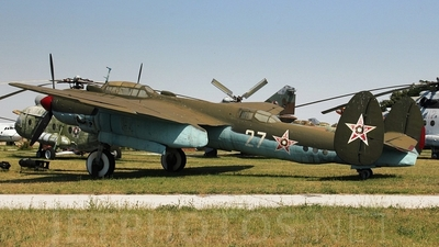 27 - Tupolev T-2T Bat - Bulgaria - Air Force